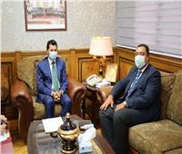 وزير الرياضة يلتقي سفير مصر بتونس لبحث التعاون المشترك