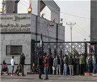 سفارة فلسطين بالقاهرة تؤكد تواصلها مع السلطات المصرية لتأمين عودة العالقين إلى غرة