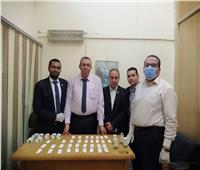 جمارك مطار القاهرة تحبط محاولة تهريب عدد من الأقراص المخدرة