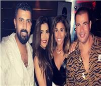 عمرو دياب ودينا الشربيني بصحبة محمد سامي ومي عمر في «أماكن السهر»