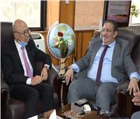 رئيس جامعة القناة يستقبل نائب السفير الإندونيسي