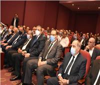 وزير التموين ومحافظ الشرقية في جنازة رجل الأعمال فريد خميس