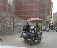مشاريع الشباب  بالمظلة والموتوسيكل.. شباب طوخ بالقليوبية يكسبون «لقمة العيش»