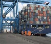 ميناء دمياط يستقبل «8 سفن» حاويات وبضائع عامة