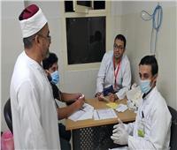 صور| قافلة الأزهر الطبية بسيناء توقع الكشف الطبي على ٢٠٠٠ شخص