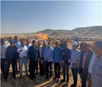 لجنة من البترول تبحث حقيقة اكتشاف بئر غاز بصحراء جرجا في سوهاج