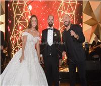 صور| العسيلي يتألق في زفاف «بيشوى وميرنا»