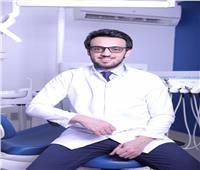 طبيب يُجيب عن أبرز الأسئلة الخاصة بعلاج الأسنان