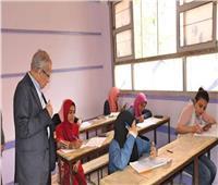 طلاب الدبلومات الفنية يؤدون الامتحان في آخر أيام الدور الثاني
