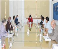 وزيرة الثقافة تجتمع ورؤساء القطاعات والهيئات المختصة بإصدار مطبوعات تنويرية