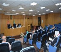 محافظ المنيا يُوجه بحصر أراضي أملاك الدولة لتنفيذ مشاريع سكنية حضارية
