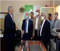 رئيس جامعة طنطا يتفقد استعدادات «التجارة» و«التربية» للعام الدراسي
