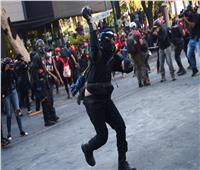آلاف يتدفقون على العاصمة المكسيكية للمشاركة في مظاهرة مناهضة للرئيس