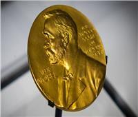 فوز عالمين أمريكيين وعالم بريطاني بجائزة نوبل للطب