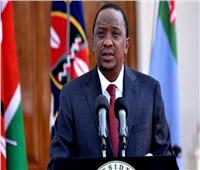 الرئيس الكيني يغادر القاهرة بعد زيارة استغرقت يومين
