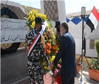 محافظ المنيا يضع إكليل الزهور على النصب التذكاري لـ«شهداء أكتوبر»