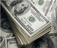بلومبرج: توقعات بإقرار حزم تحفيز مالي بالسوق الأمريكي.. وتراجع الدولار والبترول