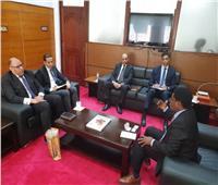 السفير المصري في دار السلام يلتقي بالمدير التنفيذى لمركز الاستثمار التنزاني