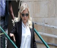 على خطى بيلوسي..زوجة نتنياهو تخرق الإغلاق بسبب «شعرها»