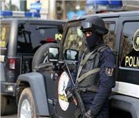 إنسانية ضابط شرطة تنقذ طفلا من التسول