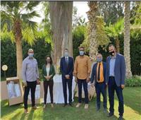 سفير ألمانيا بالقاهرة يسلم دروعا واقية للوجه إلى جامعة عين شمس