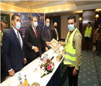 «سعفان» يسلم 250 شهادة «أمان» للعمالة غير المنتظمة بجنوب سيناء
