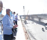 بالصور..وزير النقل يستطلع مسار القطار السريعاستعدادًا لتنفيذه