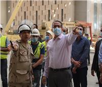 بالصور| «العناني» يتفقد المتحف المصري الكبير تمهيدا لافتتاحه