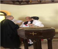"""رئيس """"الأسقفية"""" يمنح حفيده سر التعميد بمشاركة كاهن كاثوليكى"""