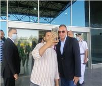 الخطيب يصل مطار القاهرة للسفر إلى المغرب مع فريق الكرة بالأهلي