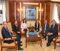 وزيرة الهجرة تستقبل ممثلي «أهل مصر» لعلاج الحروق