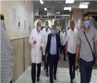 رئيس جامعة قناة السويس يتابع حالة مصابي حريق مصنع اللحوم بالإسماعيلية