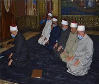 هل صلاتهم «حرام»؟ | وفد أزهري يصلي الظهر بكنيسة