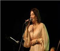 إيمان العسيلي وفرقتها يحيون حفلًا موسيقيًا بالساقية