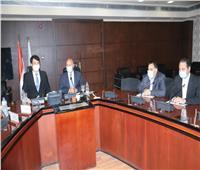 «وزير النقل» يبحث مع سفير كوريا توريد 32 قطارًا مكيفًا لمترو الأنفاق