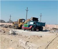 رفع كفاءة الطرق وإزالة المخلفات بالمنطقة الصناعية بالإسماعيلية