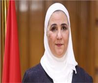 وزيرة التضامن توجه بإنقاذ سيدة مسنة تقيم في الشارع منذ 40 عاما