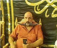 أطول شنب في مصر.. «حسن الهلالي» يصل عزاء الراحل محمود ياسين
