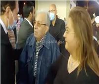 فيديو وصور.. ياسين التهامي وفاروق فلوكس في عزاء محمود ياسين