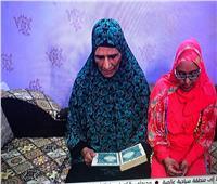 مفاجأة.. سيدة تمحو أميتها في سن الـ73 لتقرأ القرآن