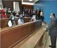 صور.. رئيس جامعة حلوان يتفقد انتظام الدراسة وتطبيق الإجراءات الاحترازية