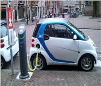 فيديو| خبير هندسة طرق يكشف مستقبل السيارات الكهربائية في مصر