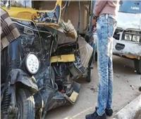 مصرع شخصين وإصابة اثنين آخرين في تصادم توك توك بسيارة في الغربية