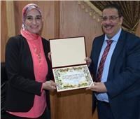 صور| رئيس جامعة القناة يكرم الفائزين بجائزة أحمد عسكر