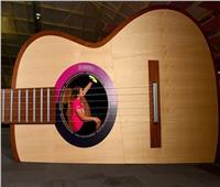لجذب الزوار.. متحف وينشستر يُنشئ جيتار طول 10 أمتار