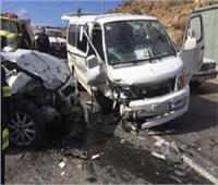 إصابة 5 في تصادم سيارتين بنجع حمادي