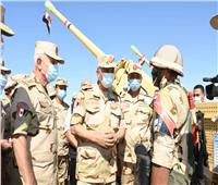 صور | وزير الدفاع يتفقد إجراءات تفتيش الحرب لإحدى تشكيلات الجيش الثالث