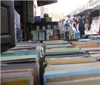 «بلاغ لمن يهمه الأمر».. كتب الجماعة الإرهابية على أرصفة القاهرة