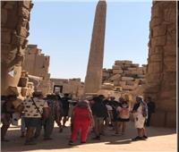 فيديو| رسالة من سائح فرنسي من معبد الأقصر لأصدقائه حول العالم