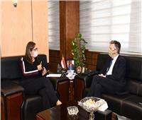 وزيرة التخطيط تستقبل السفير البريطاني لمناقشة سبل تعزيز التعاون المشترك بين البلدين